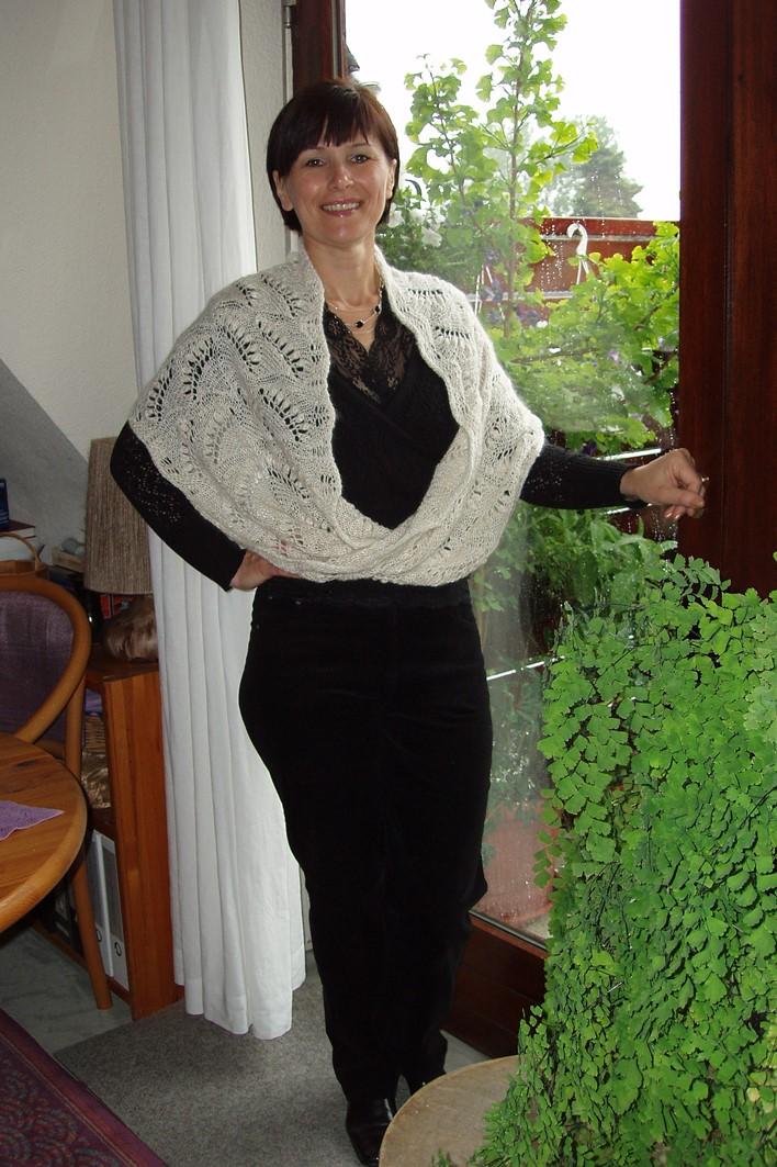 Dorotheas großer Maiglöckchen Möbiusschal