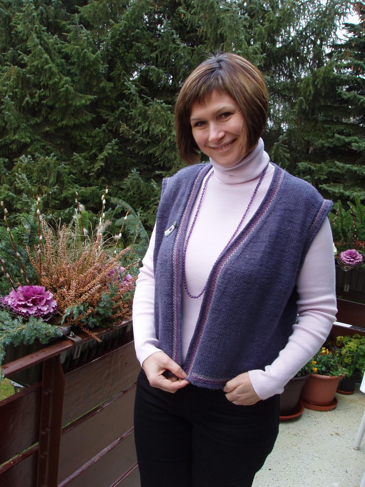 Lottes vintersæt Vest og bluse med kanter I peruviansk vævestrik