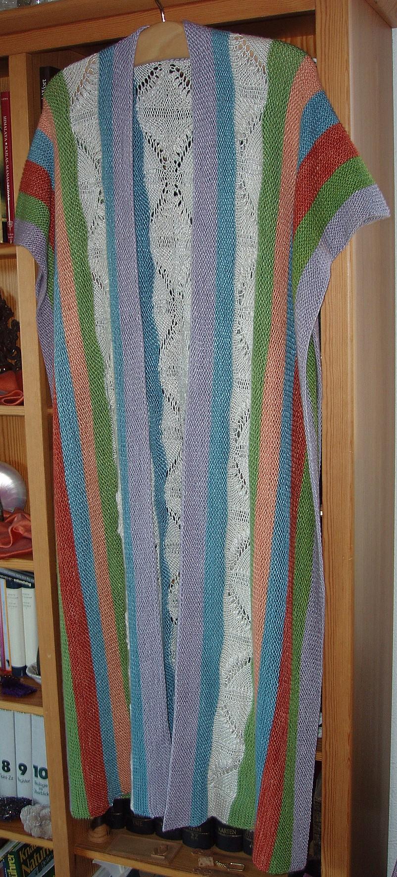 Lange Schalweste mit Maiglöckchenbordüre