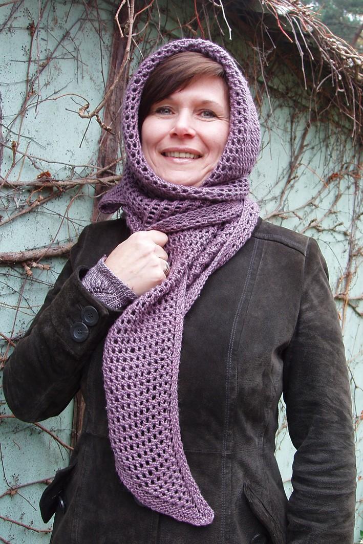 Trekantet sjal med gittermønster, möbiusbånd, hue og pulsvarmere